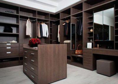 Walk-in with Dresser